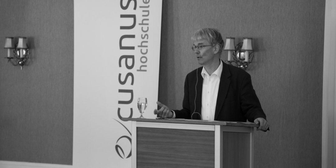 Der Vortragende: Harald Schwaetzer